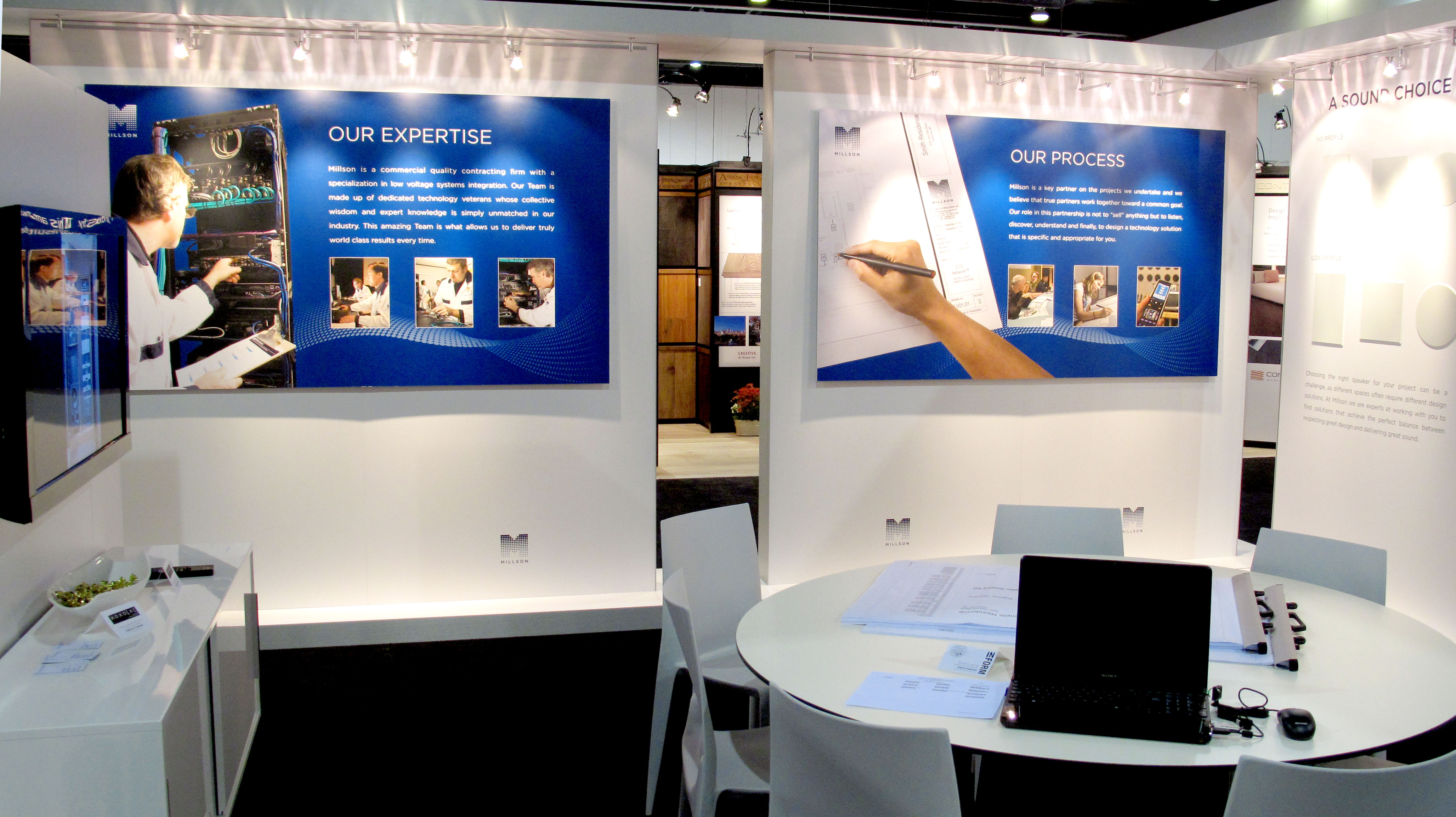 8 Ways to Attract Prospects to your Trade Show Booth